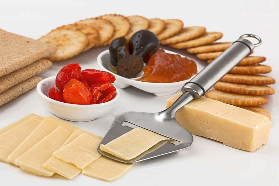 Cheese Utensils Set: Preparing Cheese Has Never Been Easy With These 6 Options