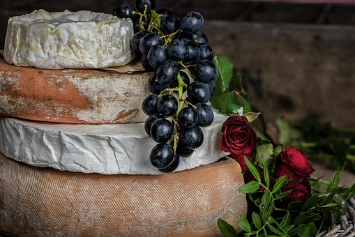 Choosing 10 Healthiest Cheese You Can Include In Your Diet